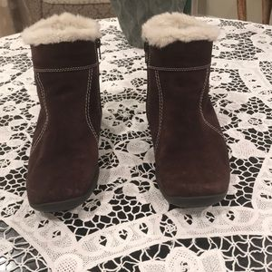 Aerosoles boots with faux fur inside